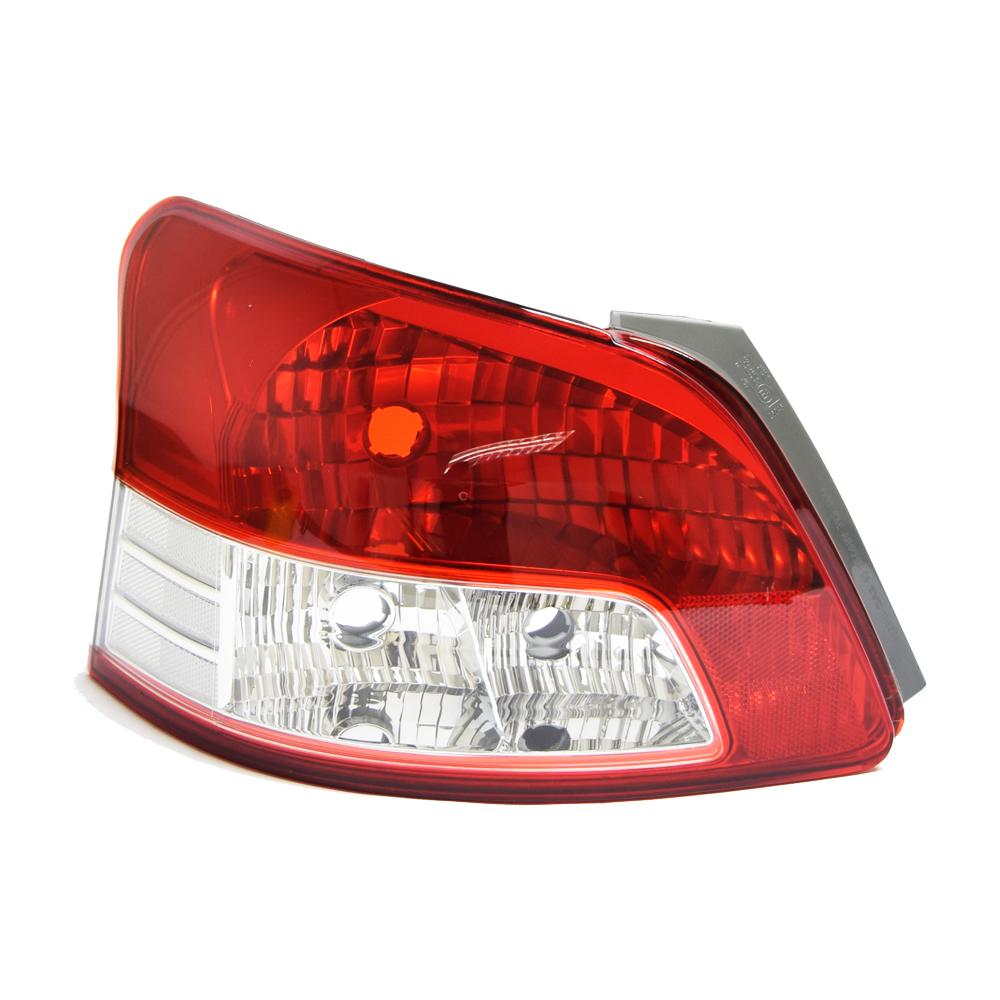 Toyota Yaris Sedan Tail Light Left 05 1